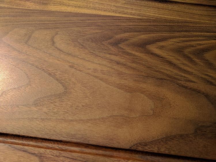 Holzbretter mehrfach geschliffen und geölt