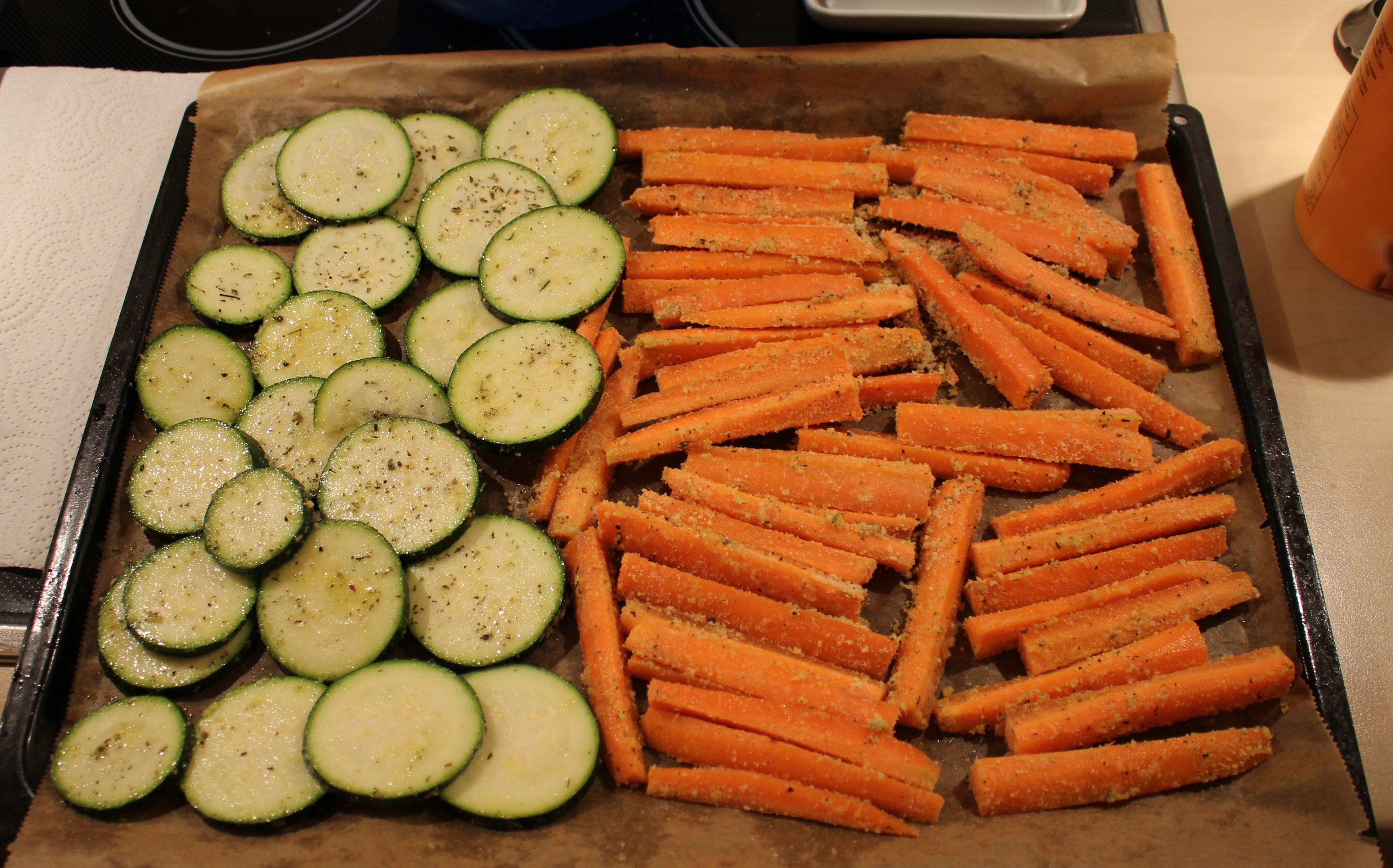Zucchini und Möhren