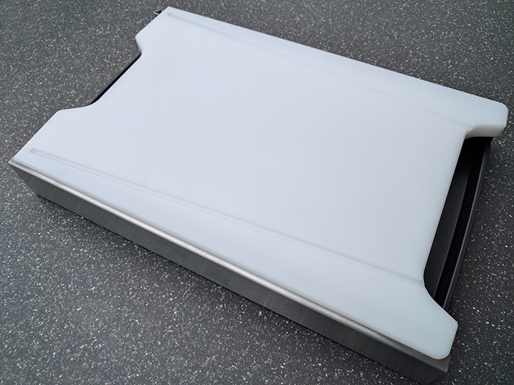Schneidbox Kunststoff mit Saftrille